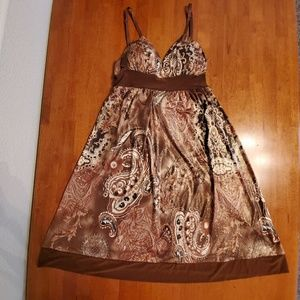 Gorgeous brown paisley dress NWOT